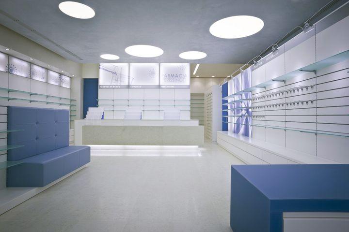 Perissinotti Pharmacy by Alessia Silvestrelli store design