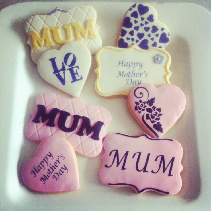 A gorgeous accompaniment to flowers...Mother's Day Cookies.