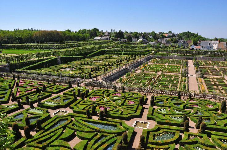 Les superbes jardins du Château de Villandry #chateau #tourisme #france #loire #MagnifiqueFrance