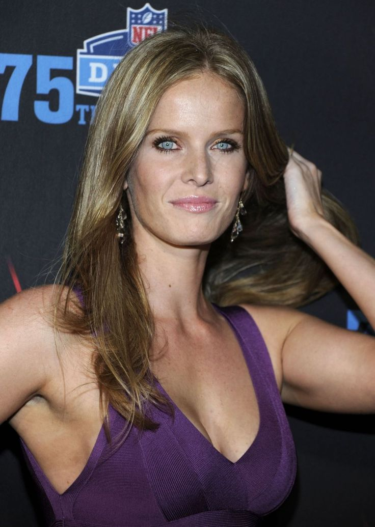 Rebecca Mader Age in 2020   Actresses, Rebecca, Celebrities
