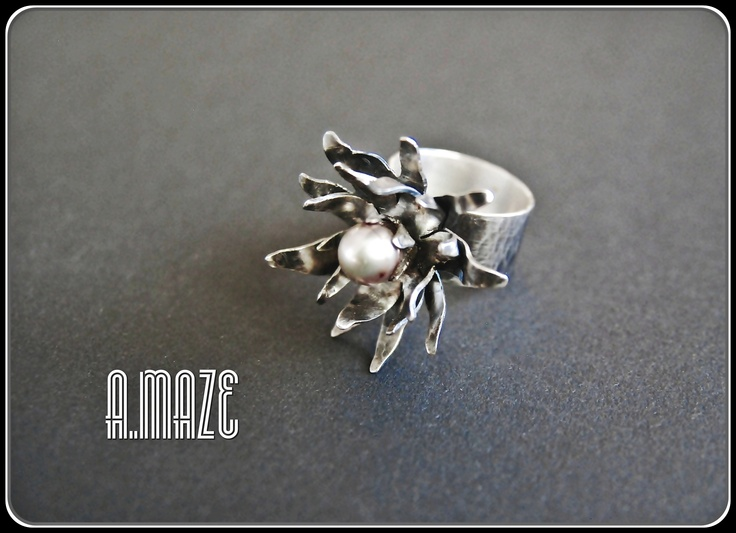 Lilly ring, oxidized Sterling silver with a cream fresh water pearl.