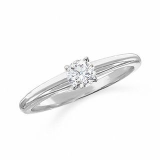 Unique Certified Diamond Solitaire Engagement Ring in K White Gold