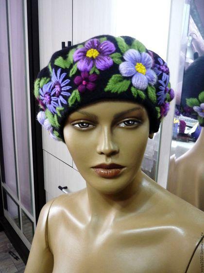Купить или заказать Берет с вышивкой'Наташа' в интернет-магазине на Ярмарке Мастеров. ручная работа.ручная вышивка.