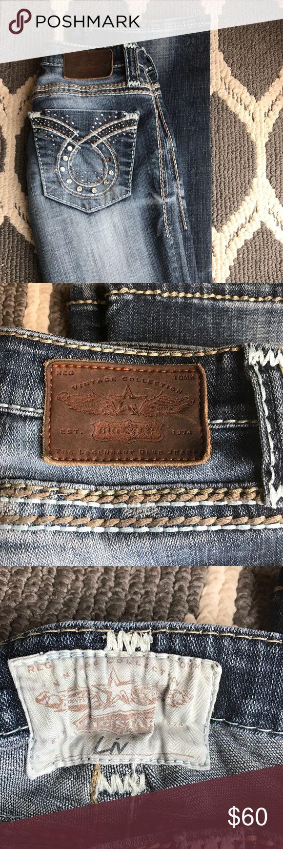 Big Star Jeans Women's Liv Big Stars boot leg 24R. There is a jewel missing on each pocket. Make an offer!!! Big Star Jeans Boot Cut