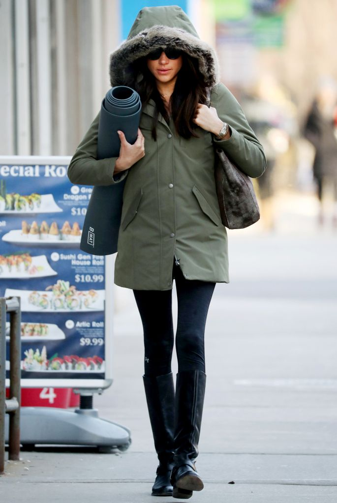 Suits Star Meghan Markle Was Seen Carrying A Yoga Mat In