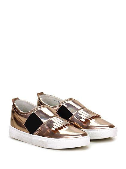 Crime - Sneakers - Donna - Sneaker in pelle specchiata con fascia elastica su collo piede e pattella frontale con frange. Suola in gomma vintage, tacco 25. - RAME - € 139.00