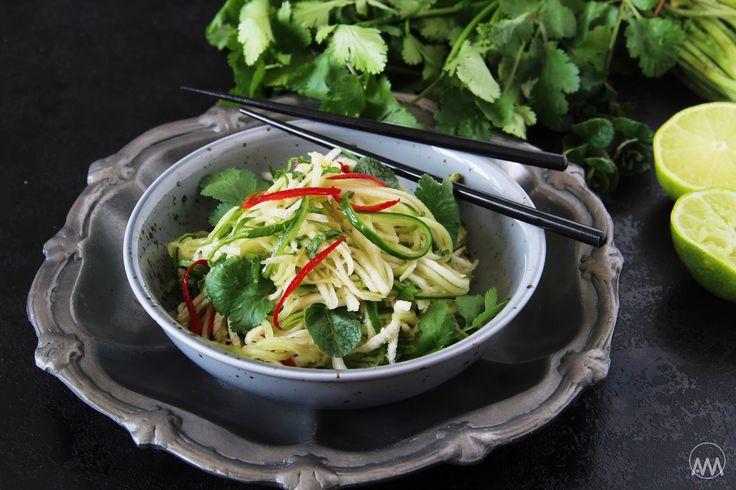 V kuchyni vždy otevřeno ...: Thajský salát z ředkve a okurky