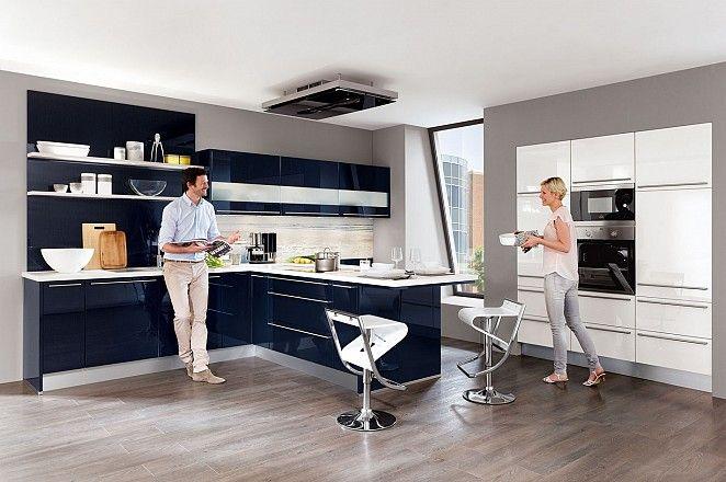 Donkerblauwe keuken in T-opstelling - Afbeelding 2 van 5