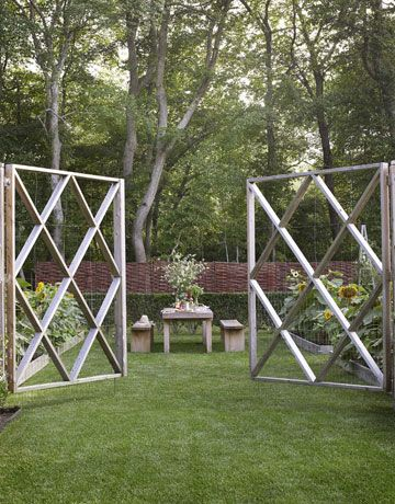 17 best images about deer proof gardens on pinterest for Attractive vegetable garden fence
