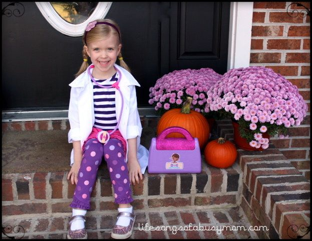 My daughter's current favorite show is Disney's Doc McStuffins . This year she wanted so badly to dress as Doc McStuffins fo...