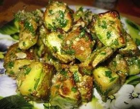 Кабачки в орехово-чесночной заправке. Я влюбилась в это блюдо!