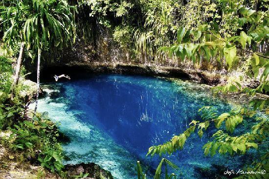 Río encantado Hinatuan, Filipinas