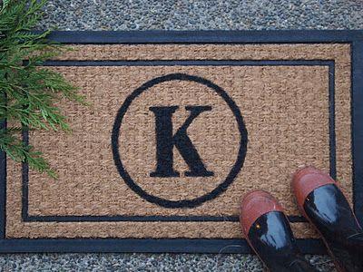 DIY Personalized Doormat. Super cute!!