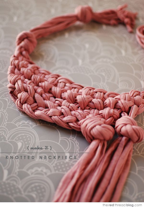 the red thread knotted neckpiece pink 2