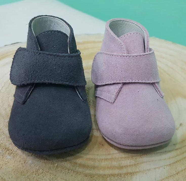 ¿Sabrías elegir cual te gusta más?😋 Peuque negro: Me gusta👍 Peuque rosita: Me encanta💗  #Chuches #CalzadoChuches #CalzadoInfantil #ZapatosChuches #Niños #Niñas #Pequeños #Pequeñas #CalzadoNiños #CalzadoNiñas #CaminitosDulces #CalzadoCómodo #Descubrir #Jugar #Reír #Diversión #Andar #Caminar #Shoes #Kids #Shoesforkids #PasitosDulces #PequesConEstilo