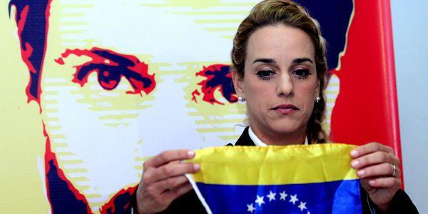 Lilian Tintori cree que consulta opositora rescatará la democracia venezolana