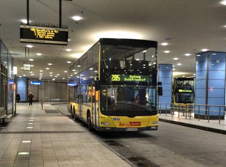 busbahnhof berlin auf pinterest berlin stra enbahn berlinermauer und leipziger stra e berlin. Black Bedroom Furniture Sets. Home Design Ideas