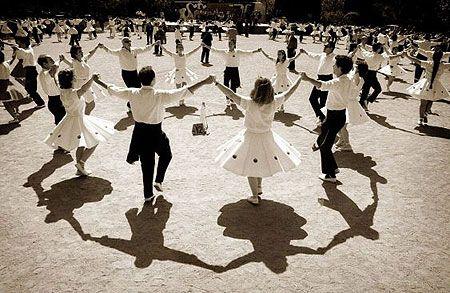 La sardana és una dansa popular catalana considerada el ball nacional de Catalunya. És una dansa col·lectiva que ballen homes i dones agafats de les mans formant una rotllana, i puntejant amb els peus els compassos de la música interpretada per la cobla. El nom pot fer referència tant al ball com a la música.
