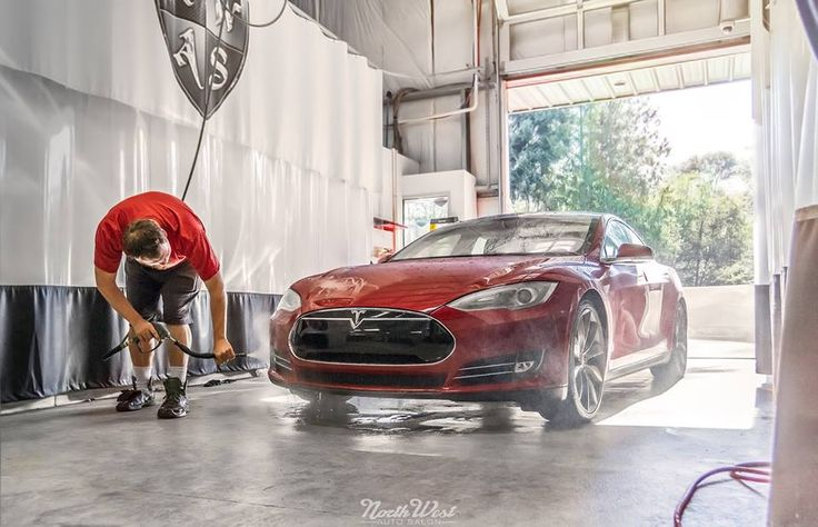Wednesday Begins With This Tesla Motors Model S That S In For A New Car Detail Gtechniq C1 Exo Whee Tesla Motors Model S Car Detailing Automotive Detailing