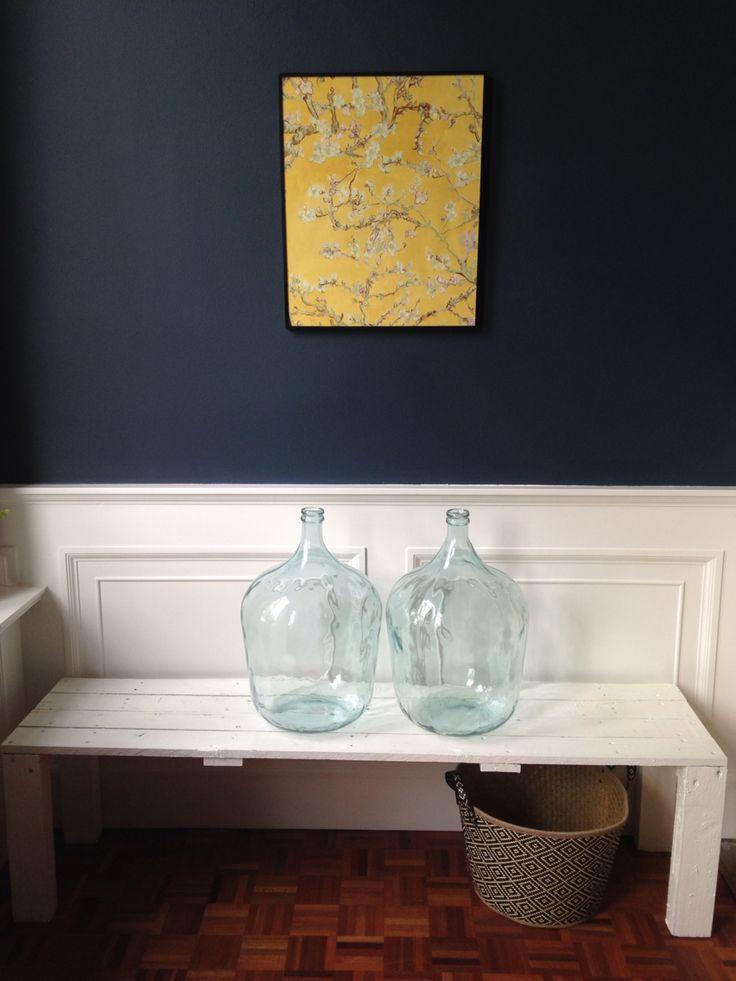 Voorkamer Farrow&Ball Hague blue met behang van Van Gogh