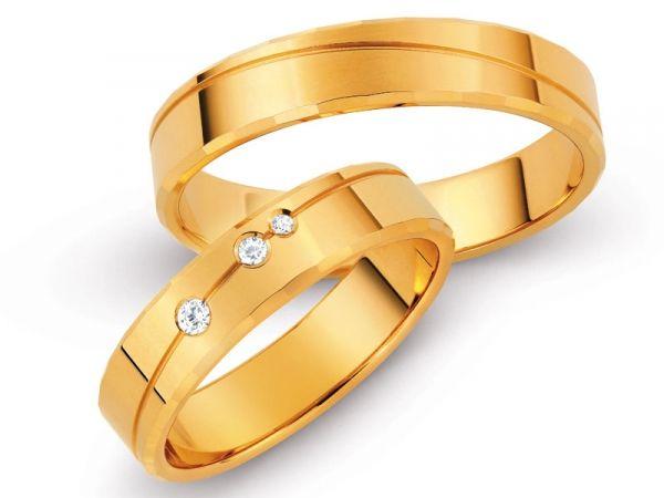złote obrączki z brylantami