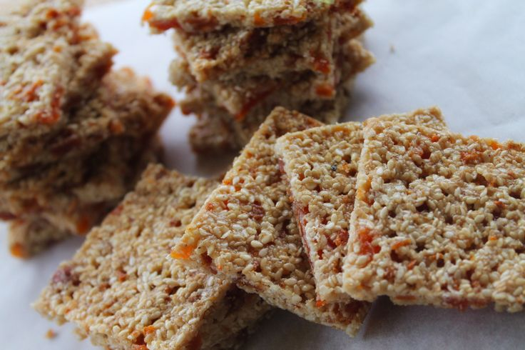 Gluten free, nut free, dairy free, additive free, preservative free, refined sugar free, vegan. Wait what? WOAH!  These just scream PERFECT school lunchbox snack!
