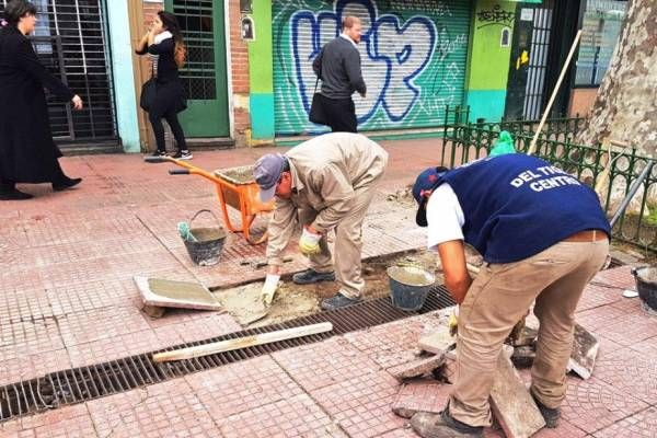 Tigre continúa con el plan de reparación de veredas