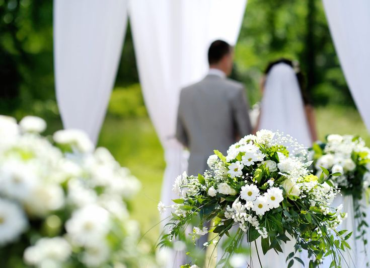 http://invoguelimo.com.au/services.html Give your weddings a new look and class with  #WeddingCarHireAdelaide.Book your wedding car today at best prices.