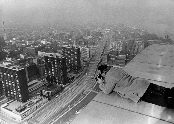 The worst of the worst! A St. Louis Post Dispatch photographer taking a pic from the top (note outside) of the arch. Just looking at this required aspirin.Photographers Arthur, Staff Photographers, Postdispatch Photographers, Dispatcher Photographers, The Cities, Post Dispatcher, Renyolds Ferguson, February 1967, Louis Post