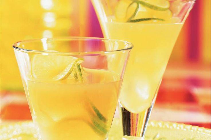 Kijk wat een lekker recept ik heb gevonden op Allerhande! Frisse fruitdrank: limoen-ananasdrank