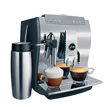 The luxurious Impressa Z5 Chrome Coffee Machine from Jura flatters both coffee lovers and aesthetes.