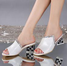 Verano del cuero genuino de mujer sexy sandalias de la boca baja rhinestone femenino damas de piel de vaca sandalias de tacón grueso blanco(China (Mainland))