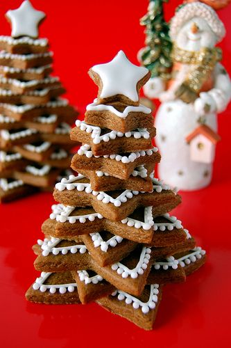 Gingerbread Cookie Stacked Tree Recipe & How to   When I was in 4th grade we made these but with cookies. I remember because my grandma made the frosting for the class. One of my sweetest memories of her. -C
