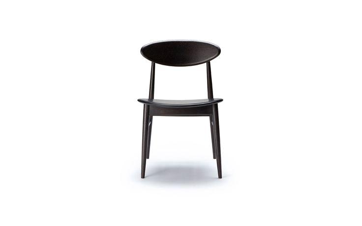 oak chair – MARK TUCKEY