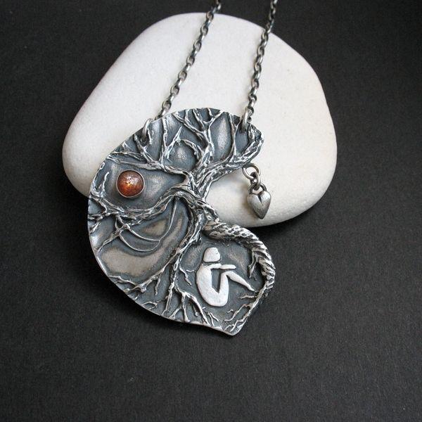 Teacher Tree - srebrny naszyjnik wykonany ręcznie  / Fiann / polandhandmade.pl #polandhandmade #jewellery #silverjewelry #treependant #silverpendant #artisticjewellery #handmade #artclay #metalwork