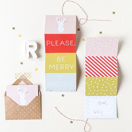 Adorable DIY printable accordion gift tags, and they're double sided!