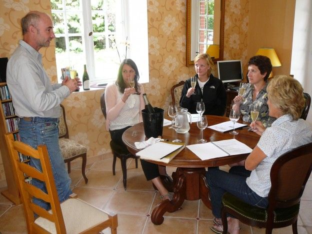Wine Tasting and French Courses! http://www.authentiques-france-langue.com/ecole-des-trois-ponts-2/