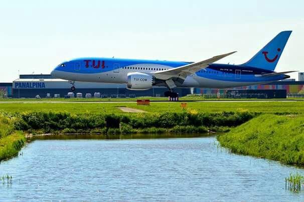 Tui Boeing 787-800 dreamliner