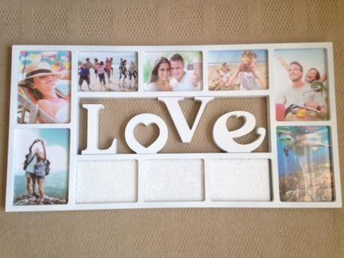 Twee fotolijsten met de woorden Love en Friends.