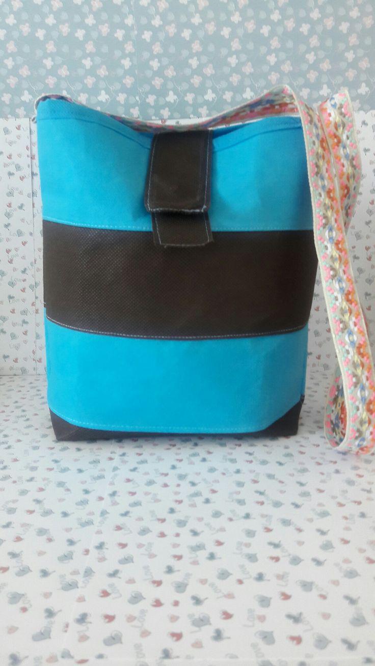 Elaborado en tela Quirurgica. These bags are made of non-woven fabric