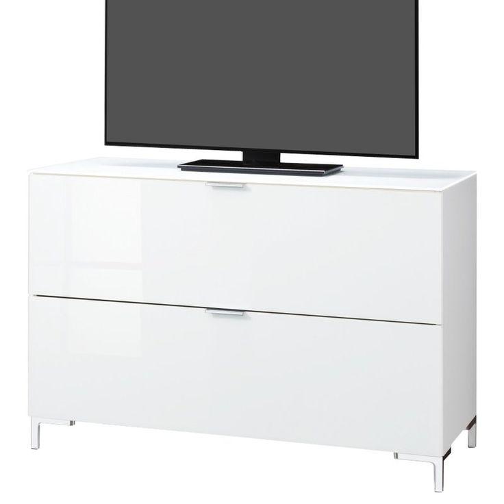 Das edle Design mit der Vorderseite aus Glas macht dieses TV-Board zu einem modernen Begleiter in Ihrem Zuhause. Es wurde in Deutschland hergestellt und bietet Platz für den Flatscreen und das Fernsehzubehör.