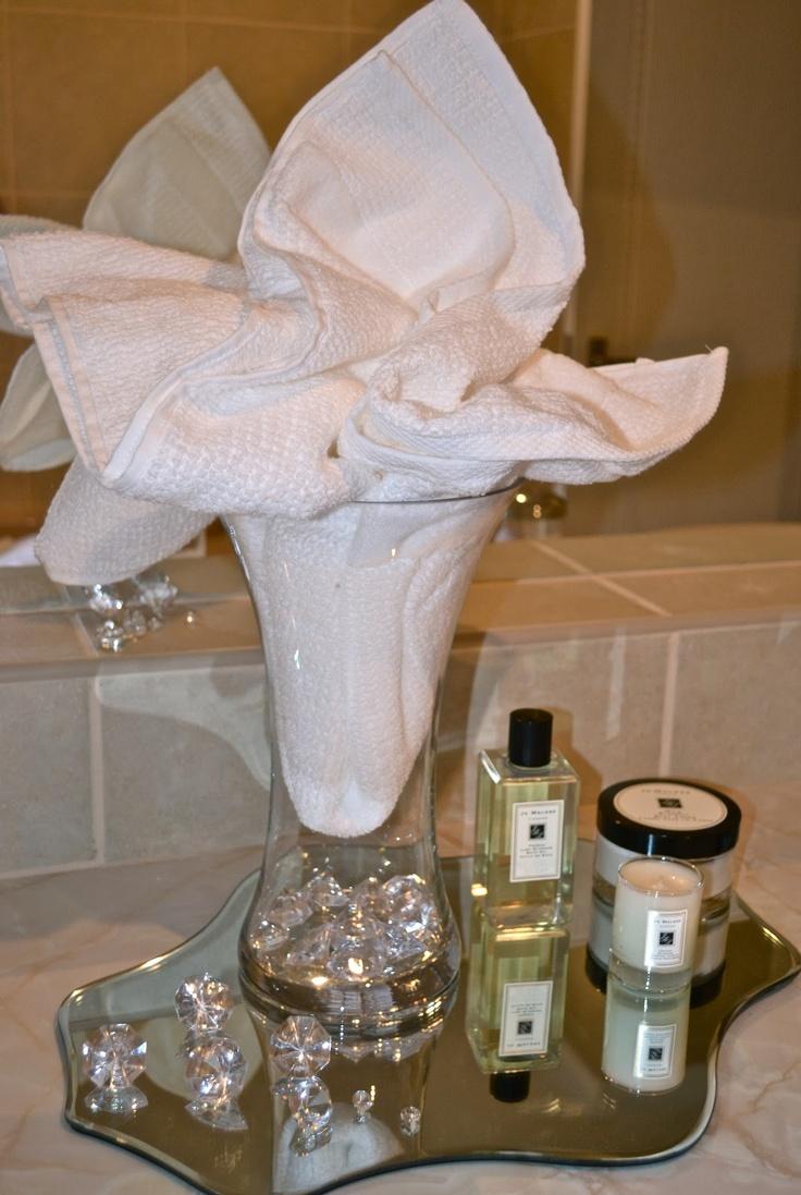 Bathroom Towel Decor 17 Best Images About Towel Decor On Pinterest Bathrooms Decor