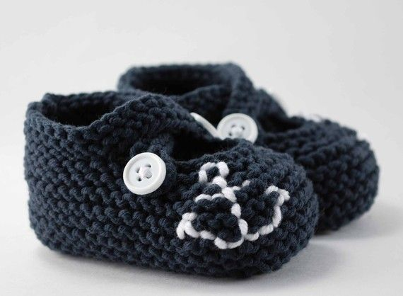 ahoy navy crocheted baby booties...I can't handle the cuteness!