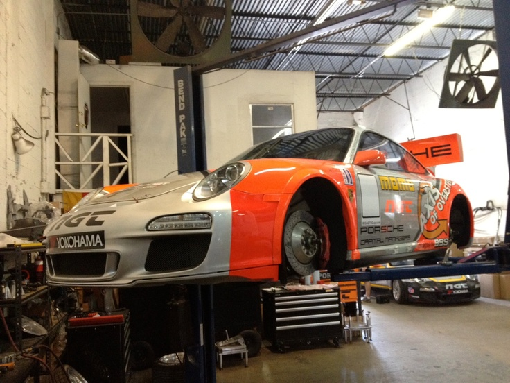 Axis GT3 Getting ready for battle in Sebring