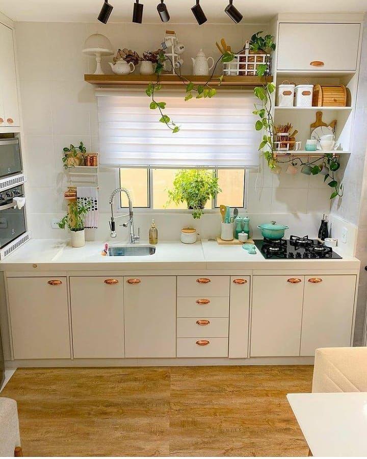 بيتي جنة On Instagram رايكم يا أرقى متابعين كنب جلسات ستائر جديد وتنجيد Yh 2019 Yh In 2021 Home Decor Decor Kitchen Cabinets
