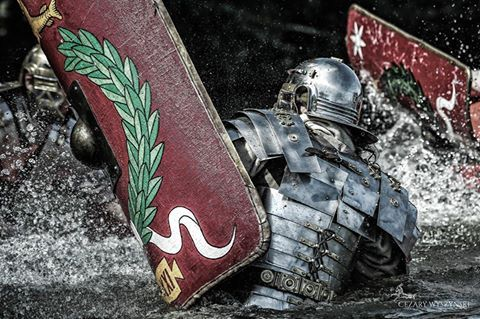 Roman legionary never knows a place and circumstances of his next combat. So we train fighting skills of our soldiers for every conditions. Legio XXI Rapax