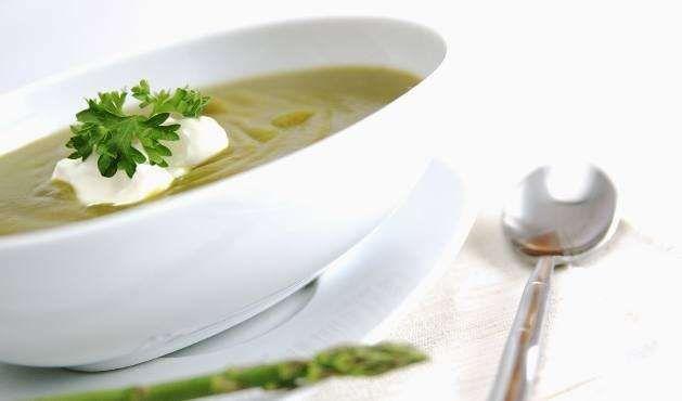 Calorias: 56 kcal Rendimento: 1 porçãoIngredientes:- 1 batata pequena- 1 cenoura- 3 colheres (sopa) ... - Getty Images