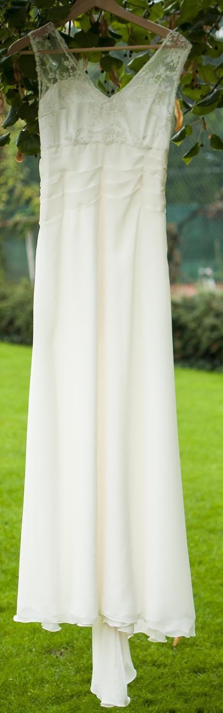 Svatební šaty jednoduché krémové, 38