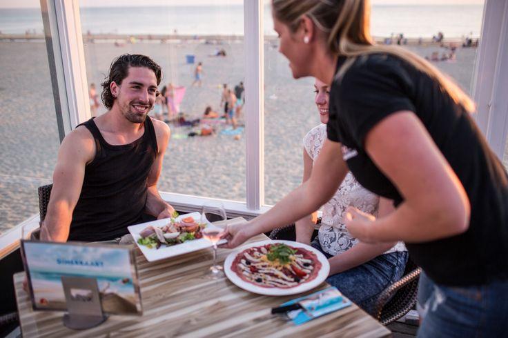 Strandpaviljoen De Uitkijk, een restaurant op een prachtige locatie op het strand van Egmond aan zee. Geniet van het uitzicht onder het genot van een hapje en drankje en laat u verassen door wat De Uitkijk u te bieden heeft. Kwaliteit en gastvrijheid staan centraal bij ons, dat vindt u ook terug in onze lunch …