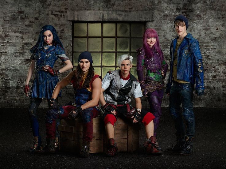 Mal Evie Jay Carlos and Ben in descendants 2 on the isle of the lost